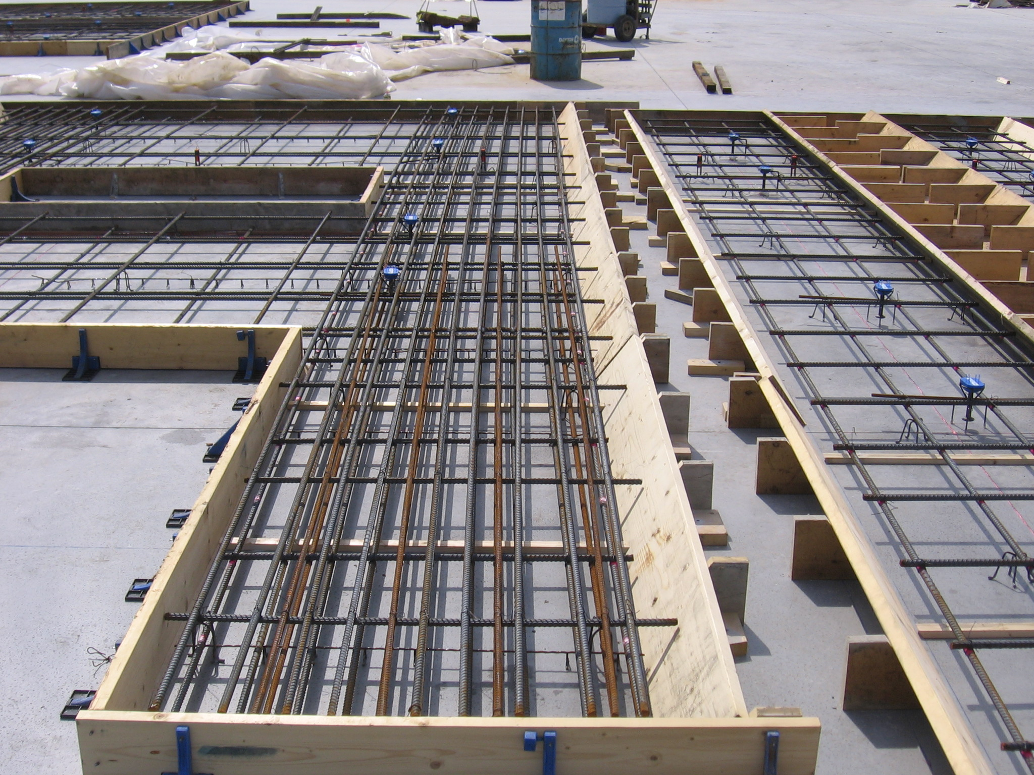 tilt up construction report The american concrete institute (aci), publishers of concrete codes like aci 318  along with many guide and report documents such as aci 5511r, describes.